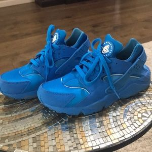 Women's Nike custom id shoes